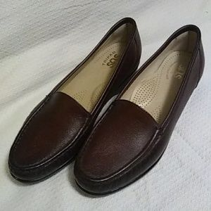 SAS Simplify loafers